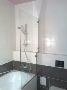 перегородка на акриловую ванну