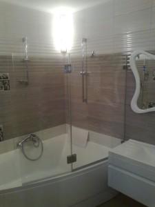 стекло на ванну