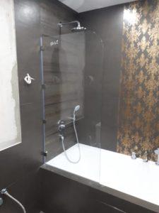 Стеклянная перегородка для ванной без штанги