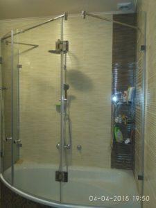 Стекло для душевой перегородки на ванну