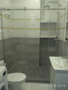шторка душ стеклянная