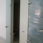 Стеклянные матовые двери для туалета и ванной комнаты