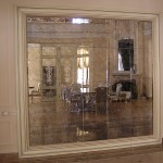 Зеркальная стена из состаренного зеркала