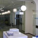 Стеклянные перегородкии двери для офиса
