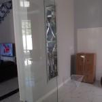 Уникальные межкомнатные стеклянные двери больших размеров в частном доме