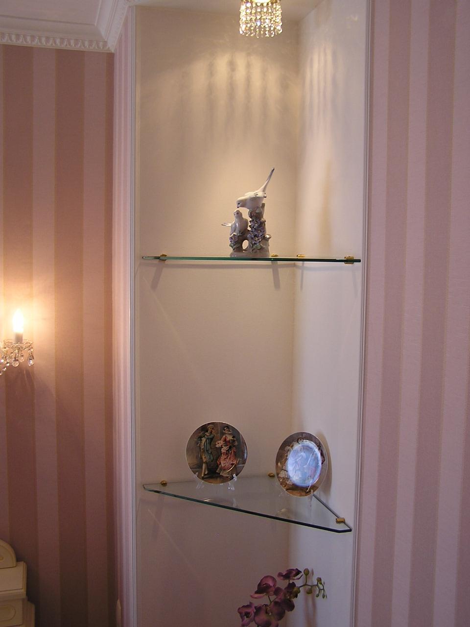 Декор стеклянных полок своими руками 60